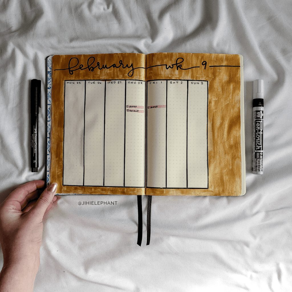 February Gold Bullet Journal | Plan-with-Me